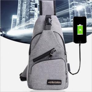 休閒單肩斜挎包 可接行動電源充電背包 帆布胸包