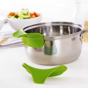 矽膠鍋子輔助導流器 鍋具邊緣導流器  倒湯防撒器 矽膠漏斗