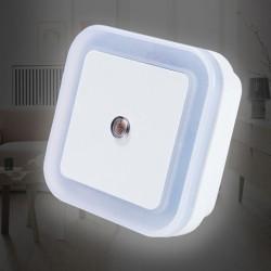 創意智能LED感應燈 節能插電小夜燈 光控小夜燈