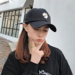 刺繡小花鴨舌帽 可愛雛菊日系棒球帽 時尚遮陽帽 百搭棒球帽